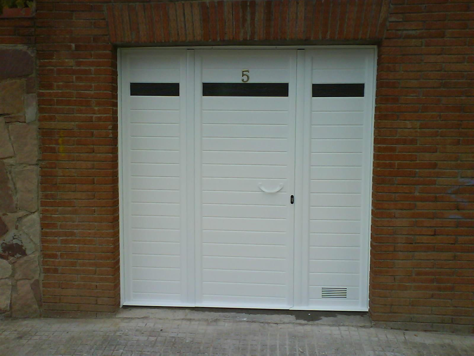 Fabricaci n venta e instalaci n de puertas seccionales en - Puertas de garaje murcia ...