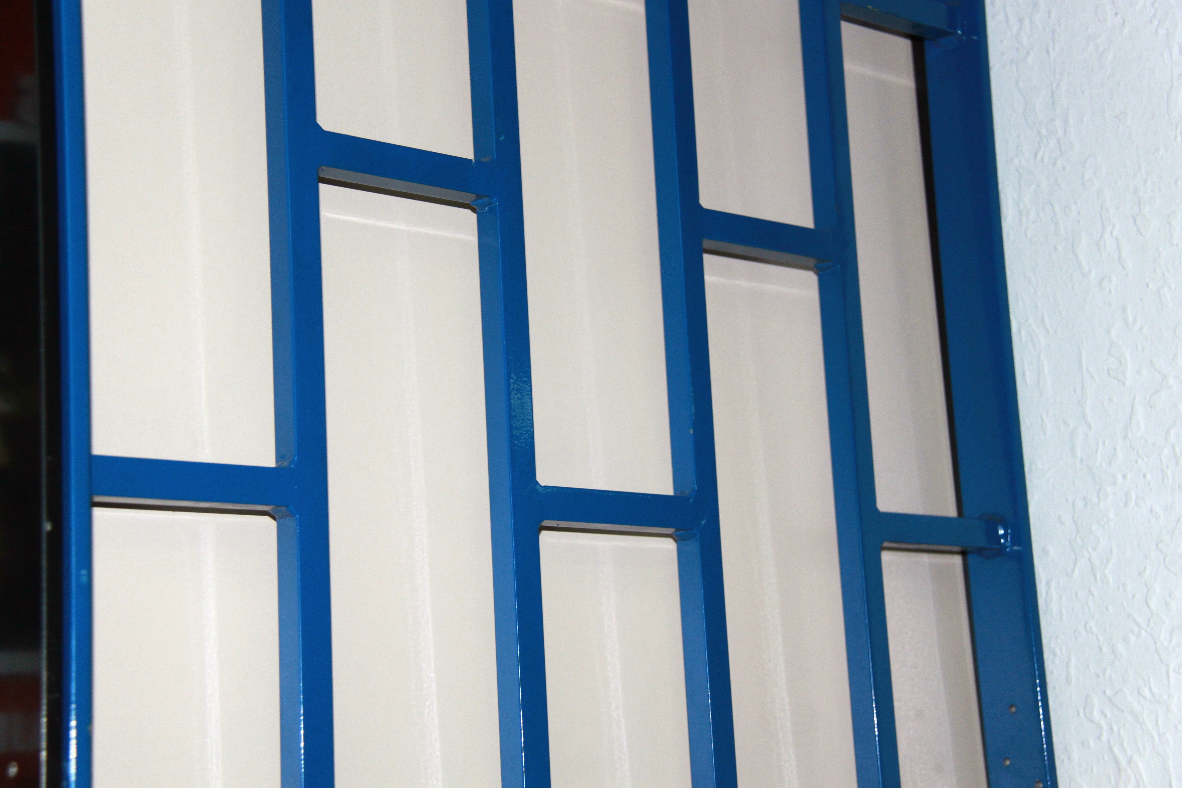 Rejas para puerta awesome puerta de hierro with rejas de for Modelos de rejas de fierro para puertas