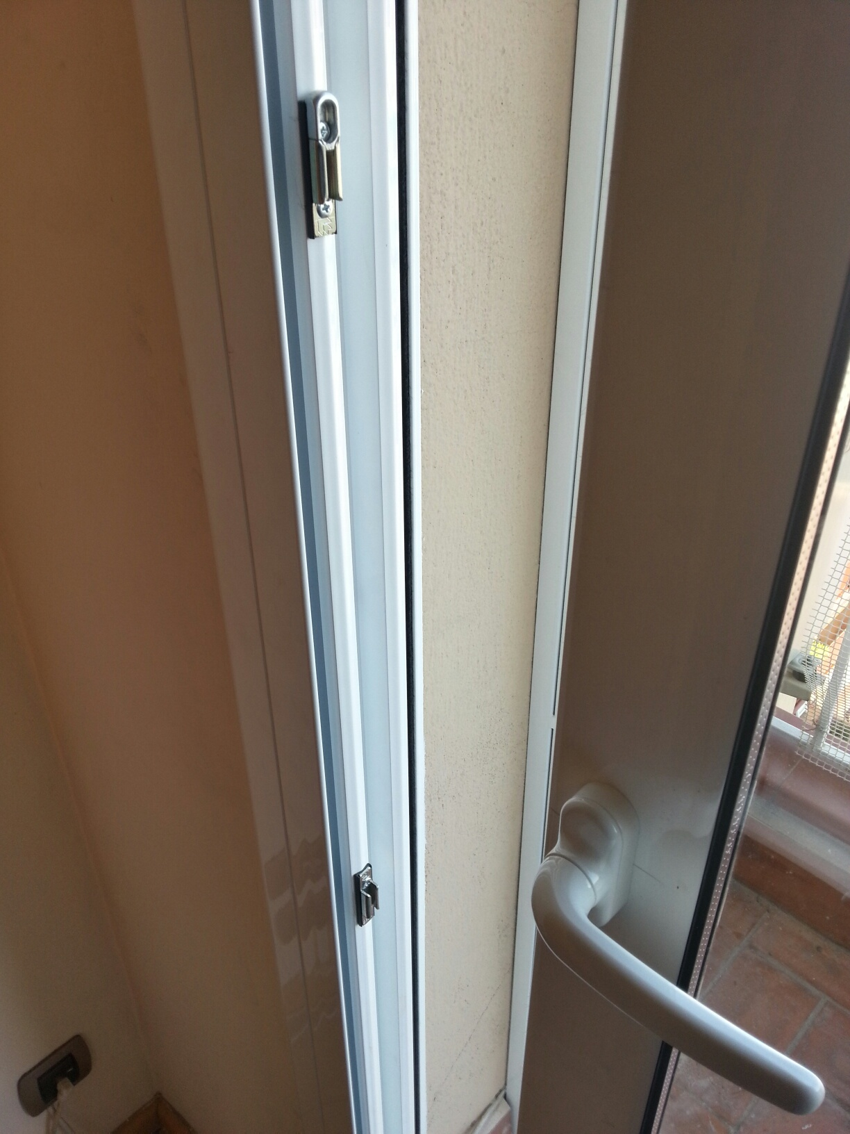 Instalacion de cierre de seguridad para ventanas - Cierres de seguridad ...