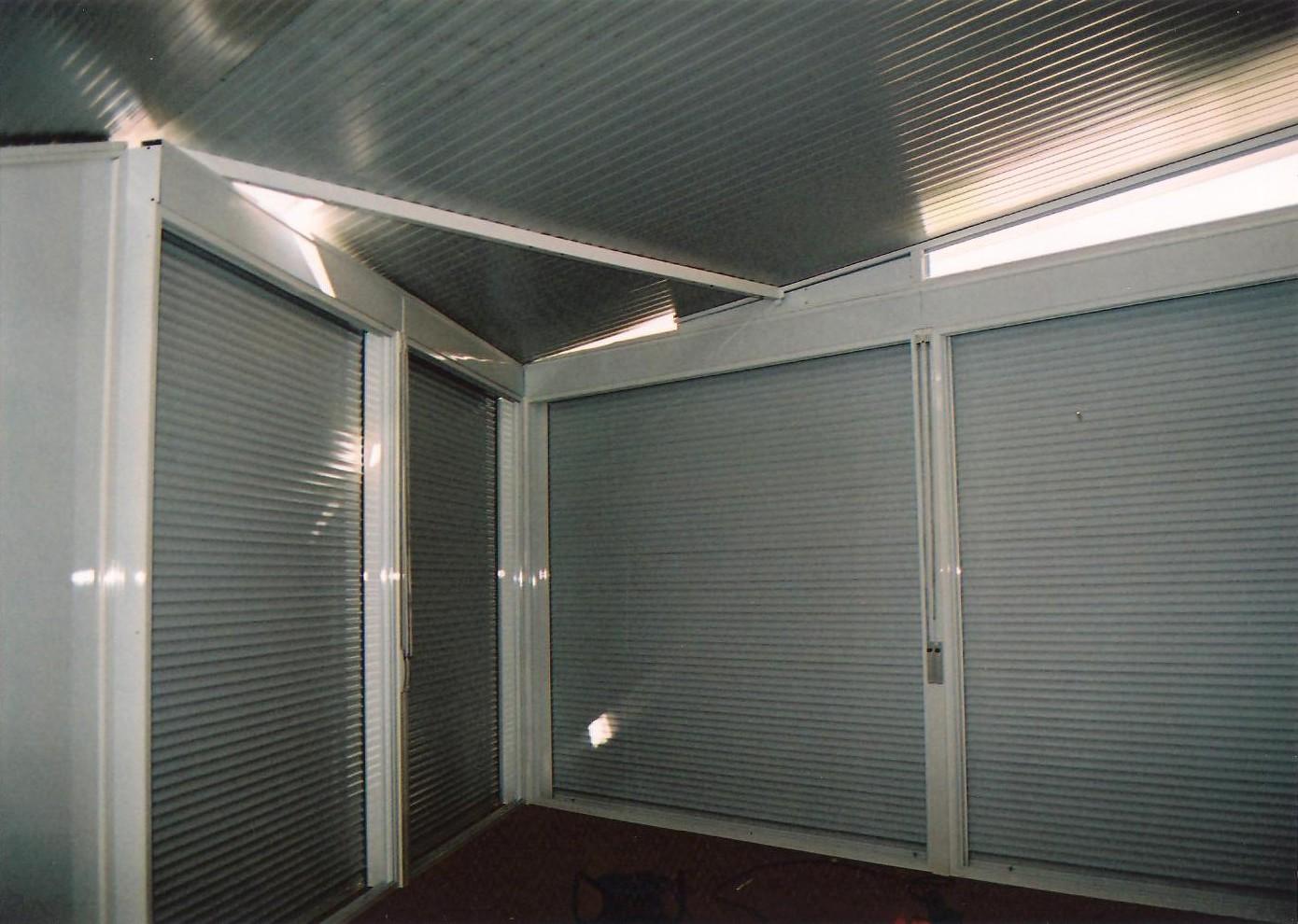 Cerramiento de acero y aluminio en terraza en barcelona for Cerramiento aluminio terraza