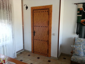 ALUMINIUM DOOR WOOD LACQUERED