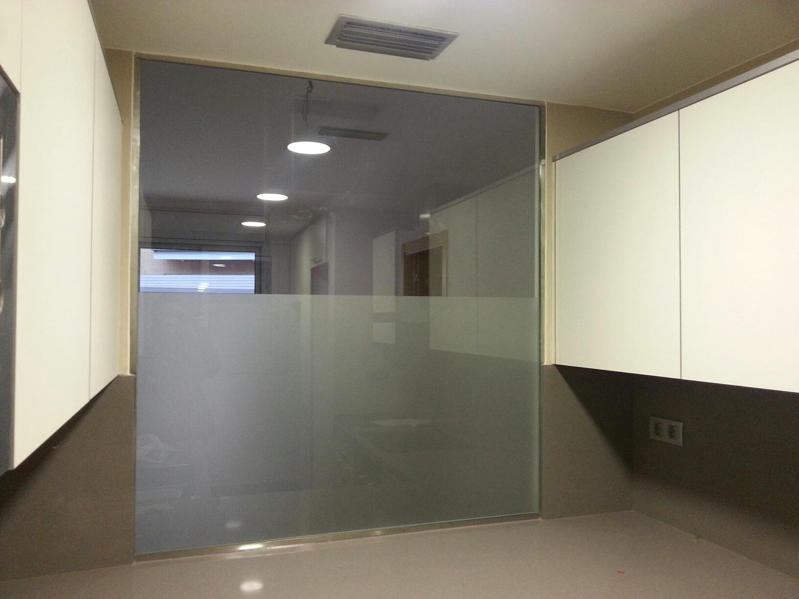divisi n de vidrio en una cocina americana en un piso en