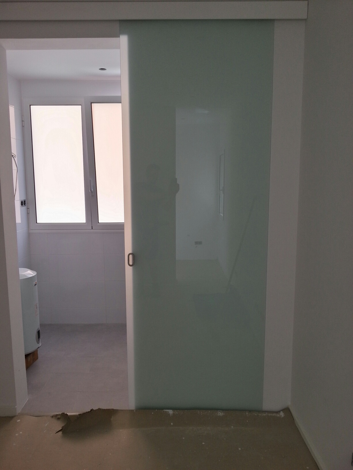 Puerta aluminio interior puerta de aluminio vidriada for Puertas aluminio interior cristal