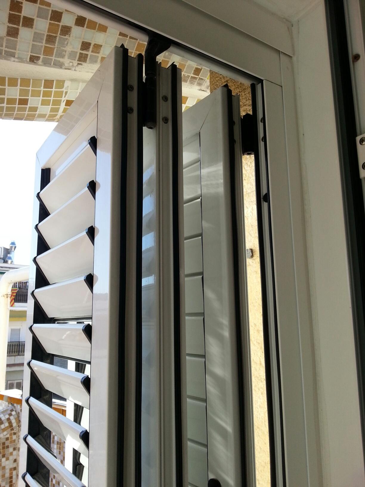 Mallorquina de aluminio de lama m vil en lacado blanco - Pintar aluminio lacado ...