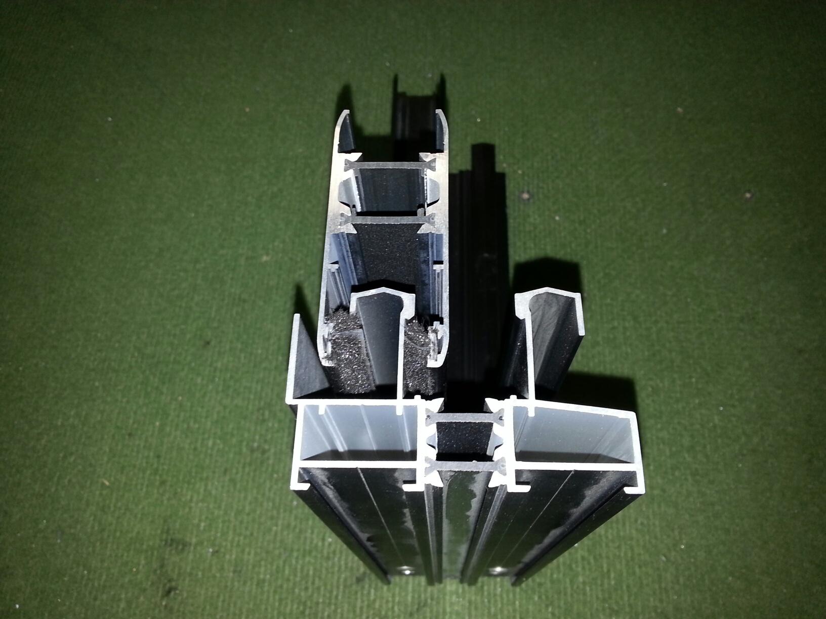 Serie corredera s 76 de alugom por ponsico s c p para for Perfiles de aluminio barcelona