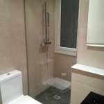 Mampara de ducha entre dos paredes