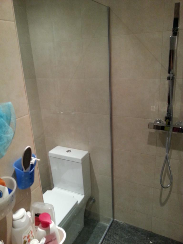 Mampara de dutxa fabricada a mida