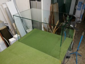 Shaped glass counter for bakery
