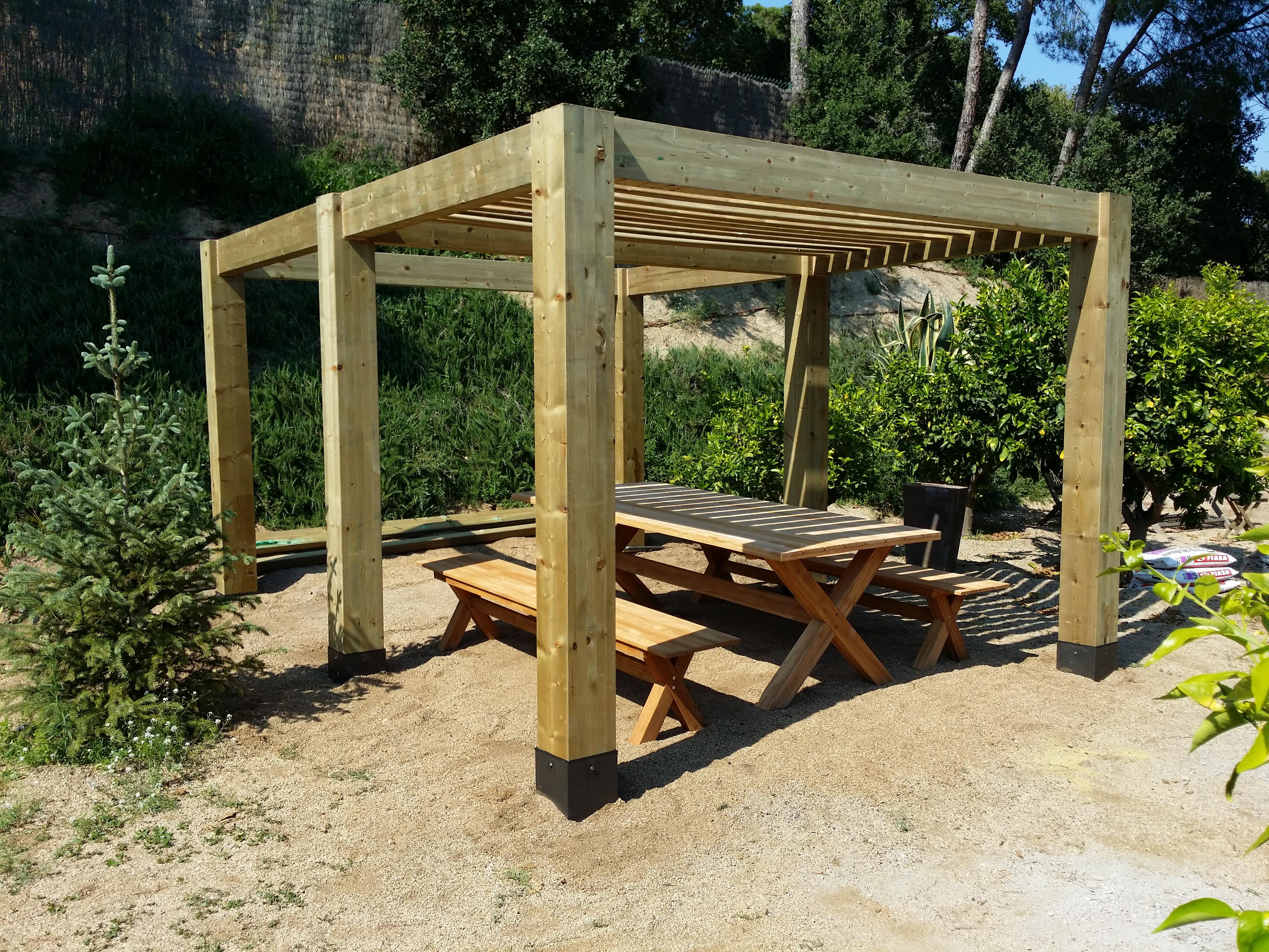 P rgola o cenador de madera fabricada e instalada en la - Bases para pergolas ...