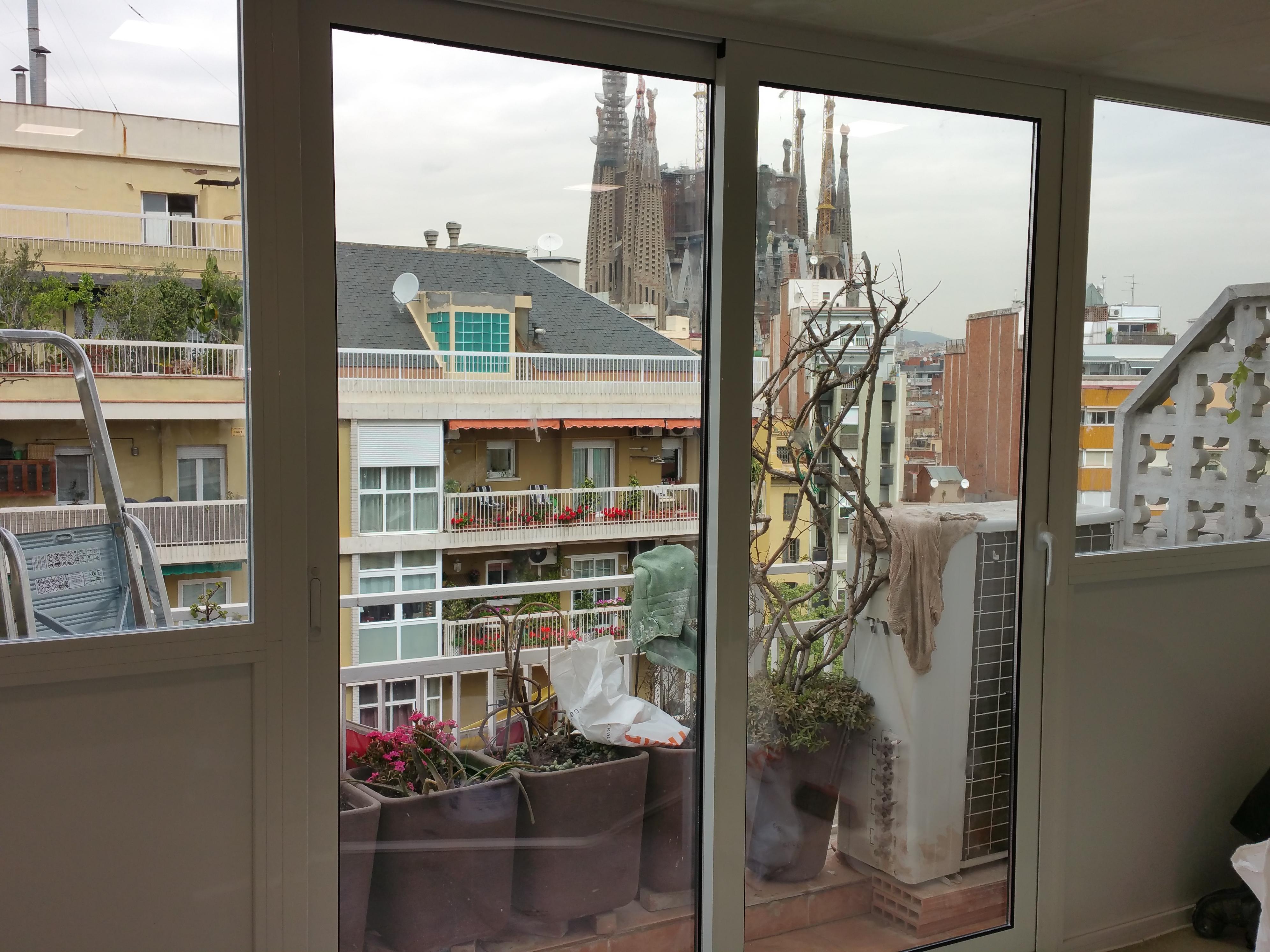 Habitación En Terraza Exterior De Un ático En El Barrio De