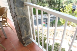 White lacquered aluminum railing