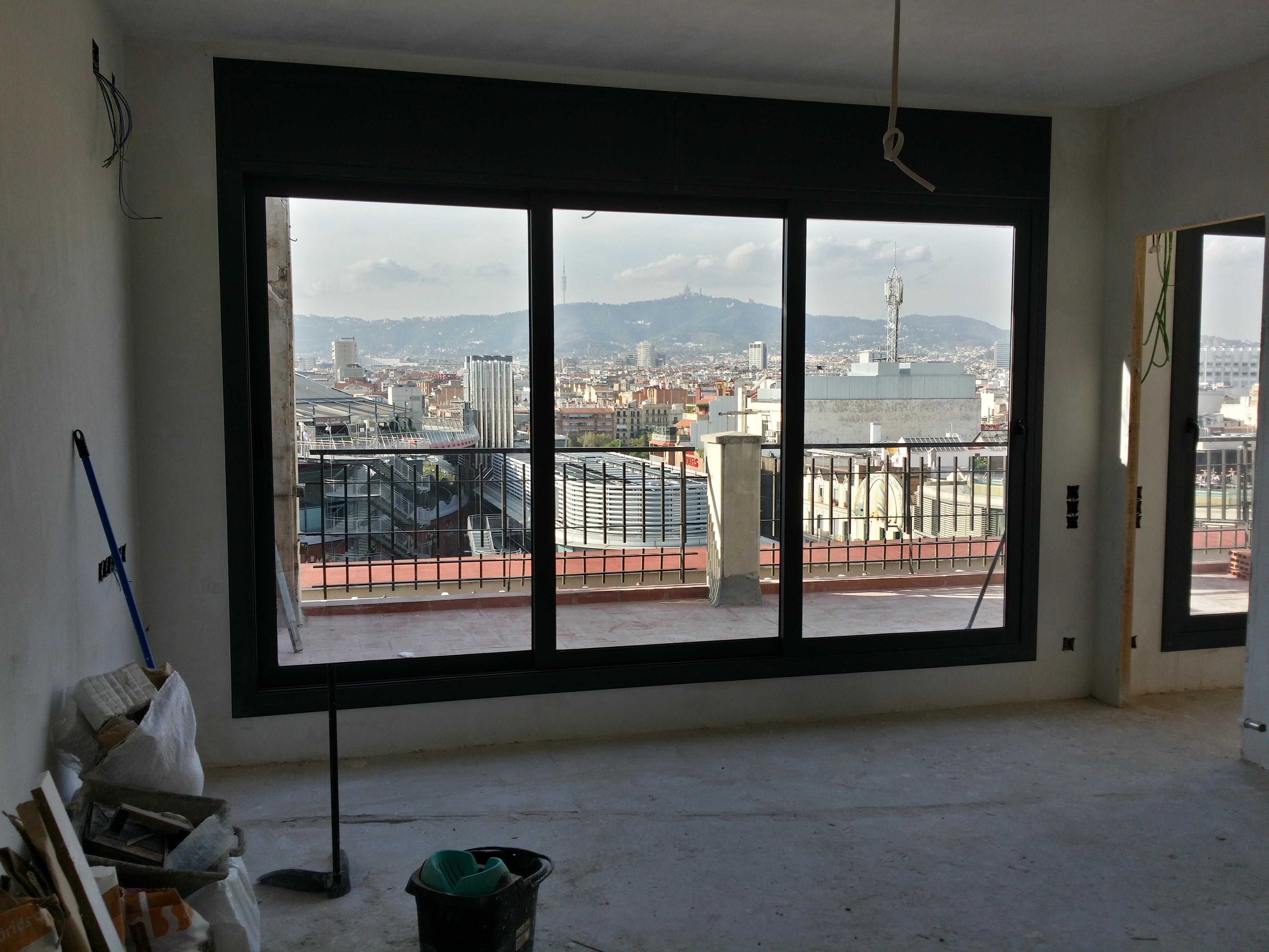 Puertas y ventanas de aluminio con rotura de puente for Colores ventanas aluminio lacado