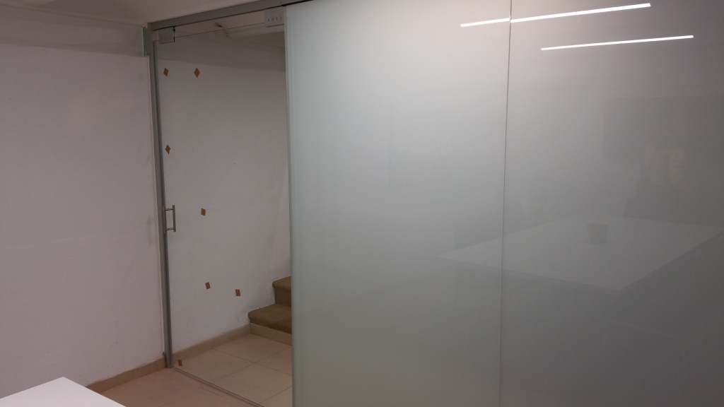 Division matte and clear glass in offices